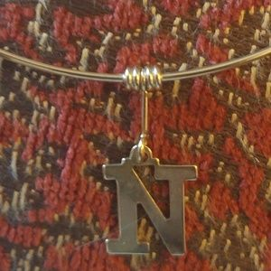 VINTAGE 1960'S GOLD TONE INITIAL N NECKLACE